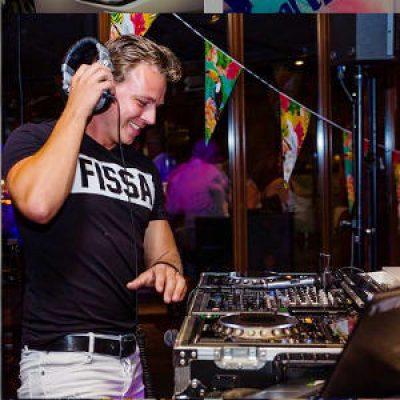 DJ Wesley boeken