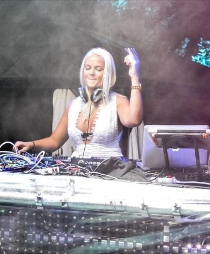 DJ Miss Sweety boeken