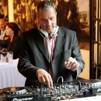 DJ Marcel Post boeken